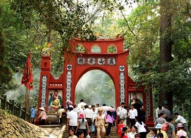 Tour Đền Hùng 1 ngày từ Hà Nội
