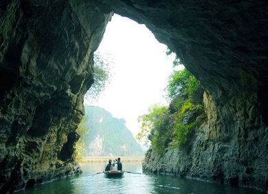 Trang An-Bai Dinh one day tour