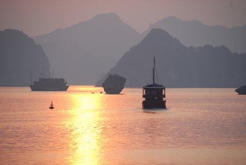 Du thuyền Hạ Long Lavender 3 sao (2 ngày 1 đêm)