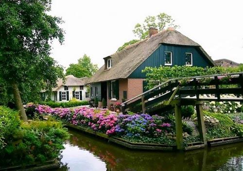 Ngắm ngôi làng cổ tích Giethoorn - Hà Lan