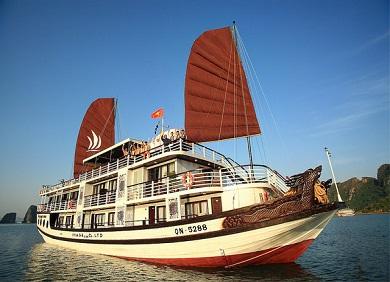 Tour du thuyền Hạ Long Glory Legend cruise 2 ngày 1 đêm